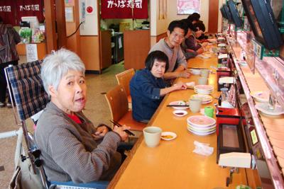 松阪市のアピタとかっぱ寿司へ外出☆_a0154110_15371379.jpg