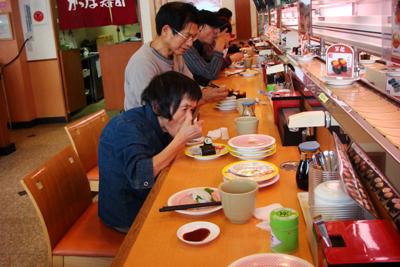 松阪市のアピタとかっぱ寿司へ外出☆_a0154110_15372270.jpg