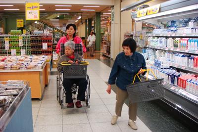 松阪市のアピタとかっぱ寿司へ外出☆_a0154110_15373770.jpg