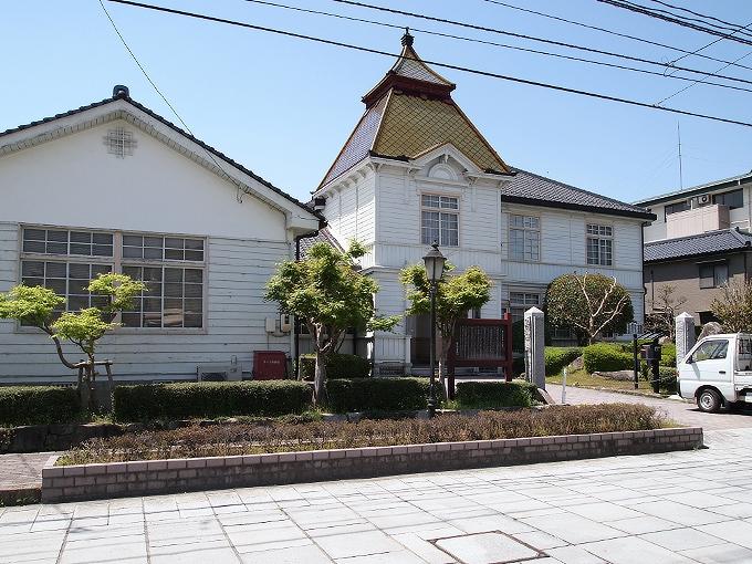 旧勝田郡役所_f0116479_2341341.jpg