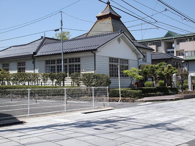 旧勝田郡役所_f0116479_2343151.jpg
