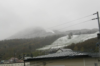 Spring in the air, Snow on the hill._c0062295_81646.jpg
