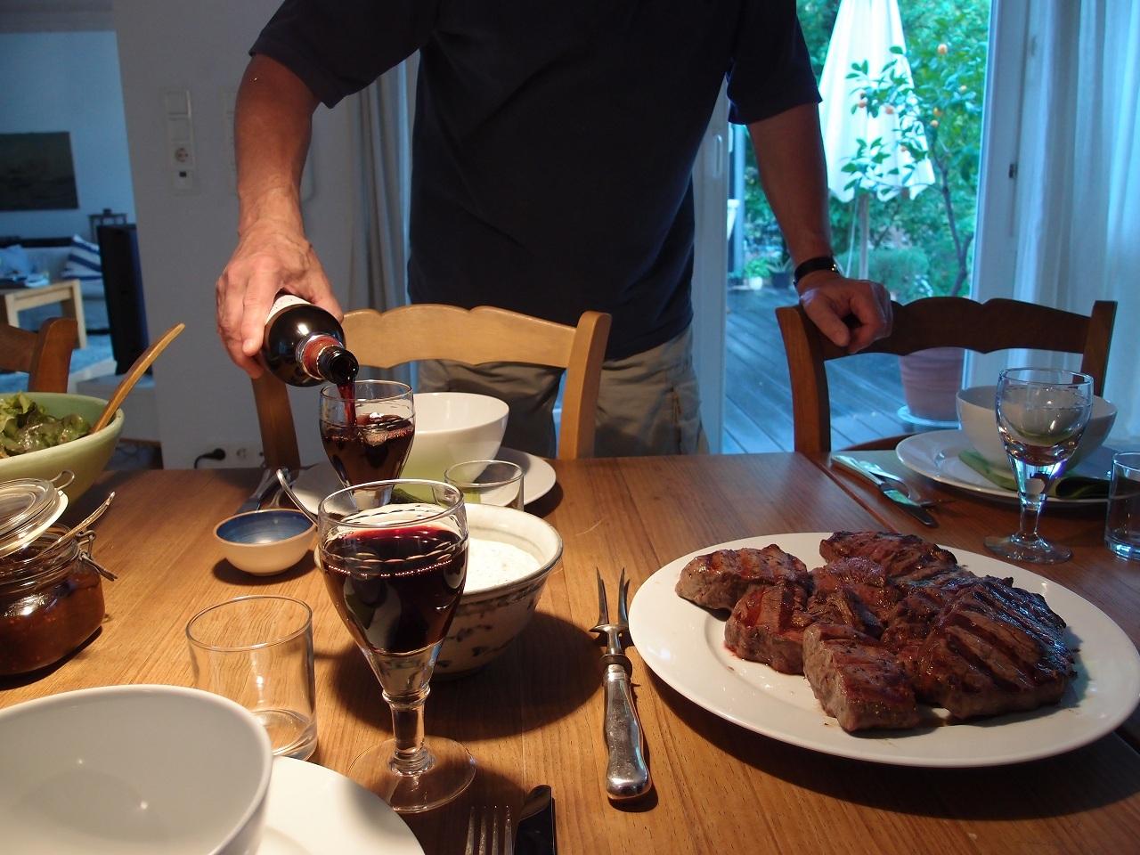 ドイツでさっそくお肉とジャガイモ_a0116902_252234.jpg
