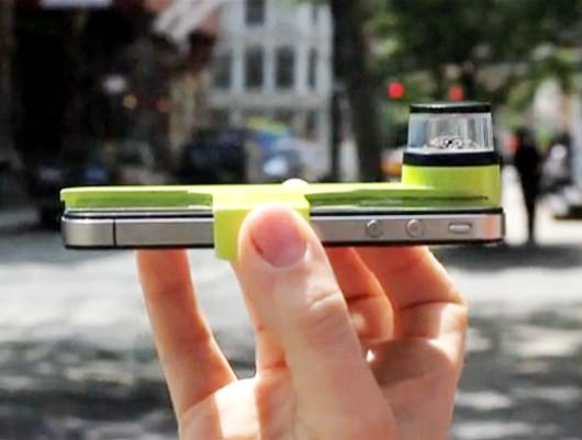iPhoneに付けるだけで360度パノラマ動画を録画できちゃうカメラが登場?! Kogeto社のDot_b0007805_1263223.jpg