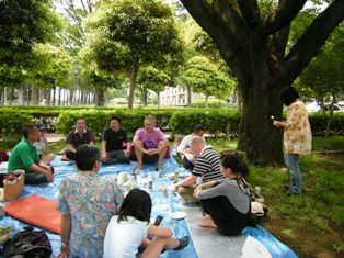 初夏の公園で_f0196455_1553329.jpg
