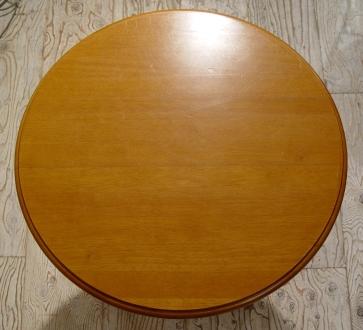 木の円テーブルとアイアイン木の座面イス・入荷!!_a0096367_21272289.jpg