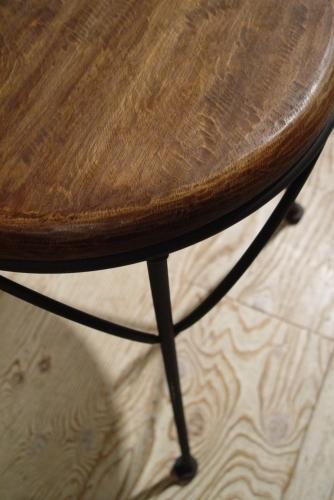 木の円テーブルとアイアイン木の座面イス・入荷!!_a0096367_21282344.jpg
