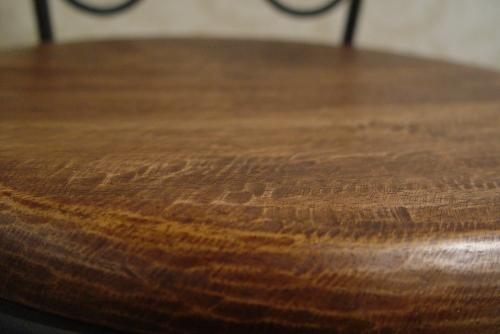 木の円テーブルとアイアイン木の座面イス・入荷!!_a0096367_21283168.jpg