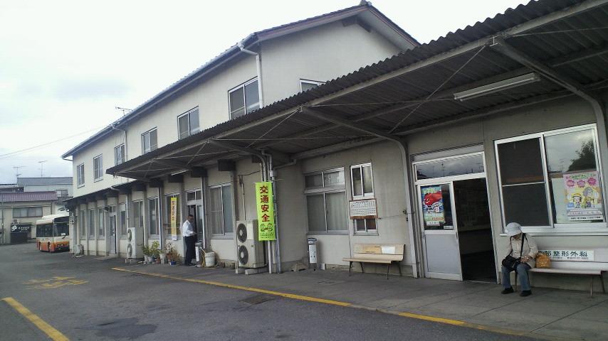 前々回ご紹介したバス路線の起点「森松営業所」です_c0001670_21201894.jpg