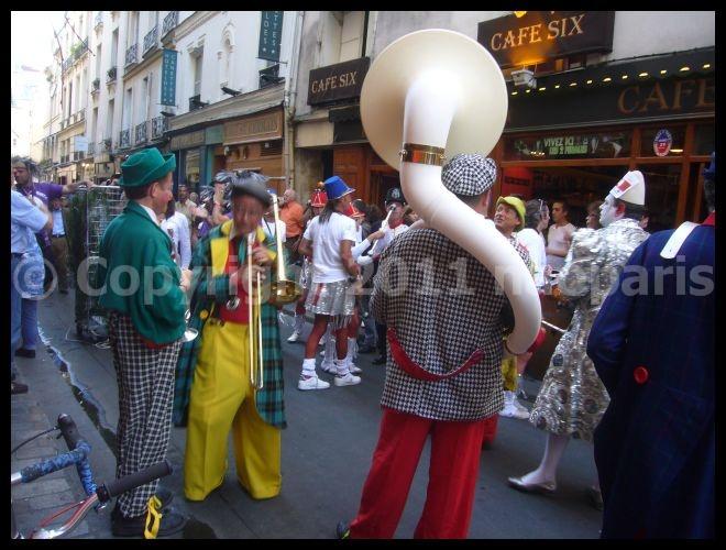 【イベント】Marathon des leveurs de coude (サンジェルマン界隈)PARIS_a0008105_20341822.jpg