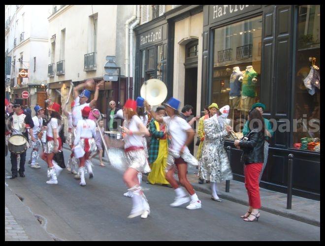 【イベント】Marathon des leveurs de coude (サンジェルマン界隈)PARIS_a0008105_20344928.jpg