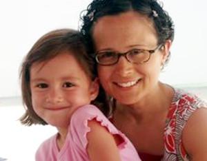 7歳の少女、レイマちゃん(rhema marvanne)の天使の歌声に癒されます_b0007805_1157050.jpg