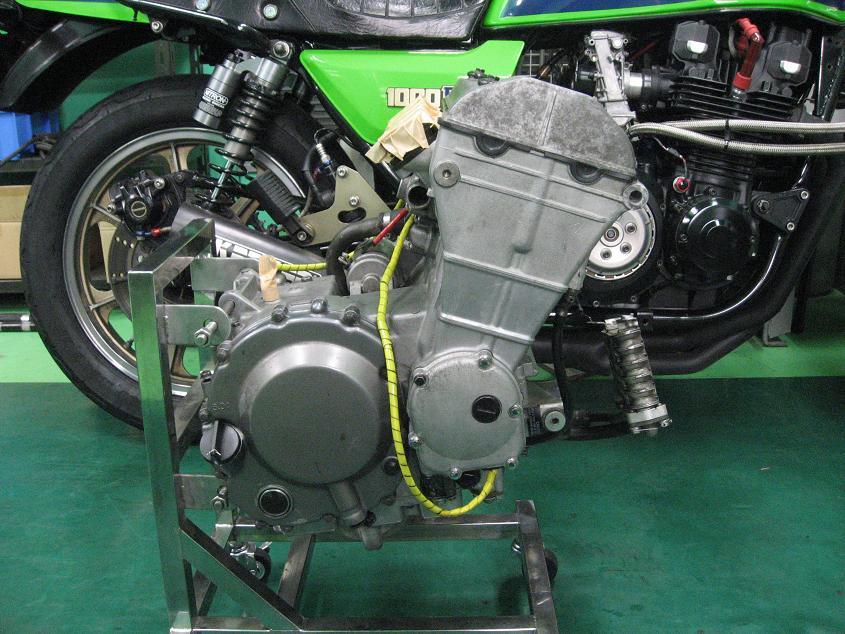 ZX-4 エンジン!!!_f0231916_1354948.jpg