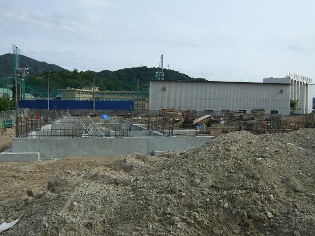 ニトリ広島海田店、建物の工事がはじまる_b0095061_6384992.jpg