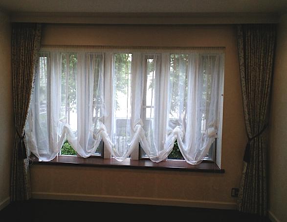 出窓によく合うバルーンスタイル『サンゲツ』_c0157866_21311261.jpg