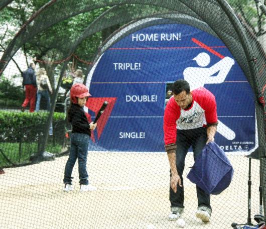週末のマディソン・スクエア・パークでヤンキース対メッツの野球祭り_b0007805_4401944.jpg