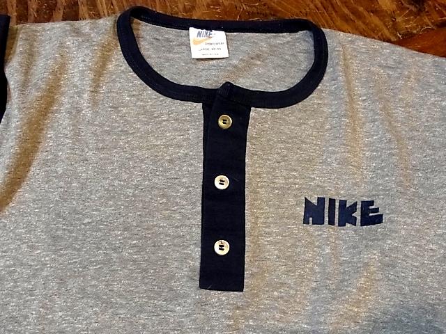 5/28(土)入荷!ゴツNIKETシャツ&染込みNIKE Tシャツ!_c0144020_17485839.jpg