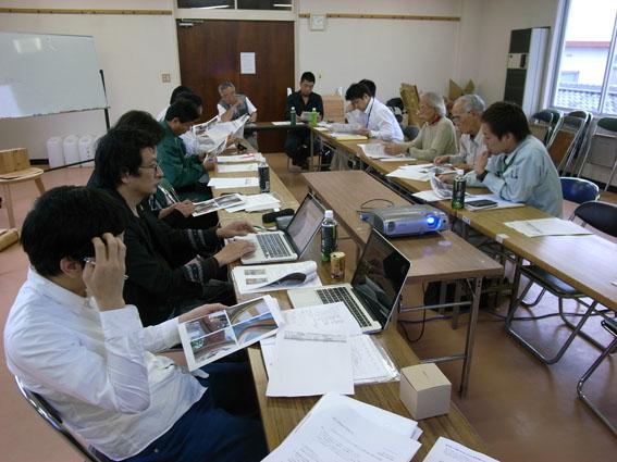 日南飫肥杉デザイン会・平成23年度第2回会議が行われました。_d0225420_2231159.jpg