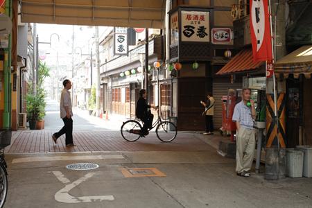 大阪、西成を歩く_a0097735_2334515.jpg