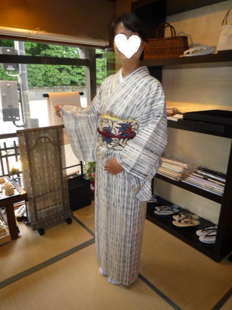 お客様の装い・ロウケツ染の羽織から作られた帯。_f0181251_17475584.jpg
