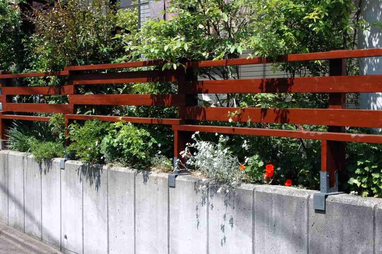 フェンス取り替え作業_a0148206_8241592.jpg