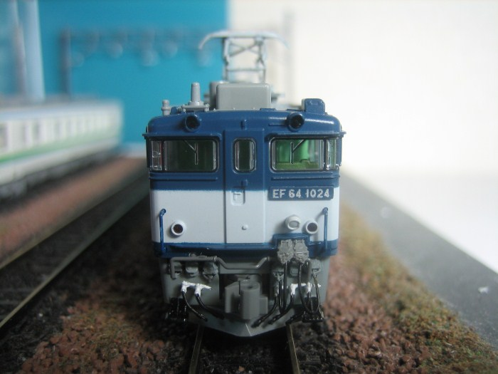 KATO EF64-1000 JRF新更新色をイジる その2_e0120143_2373019.jpg