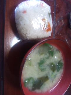 朝ごはんは炊き込みおにぎり〜_e0114246_183451.jpg