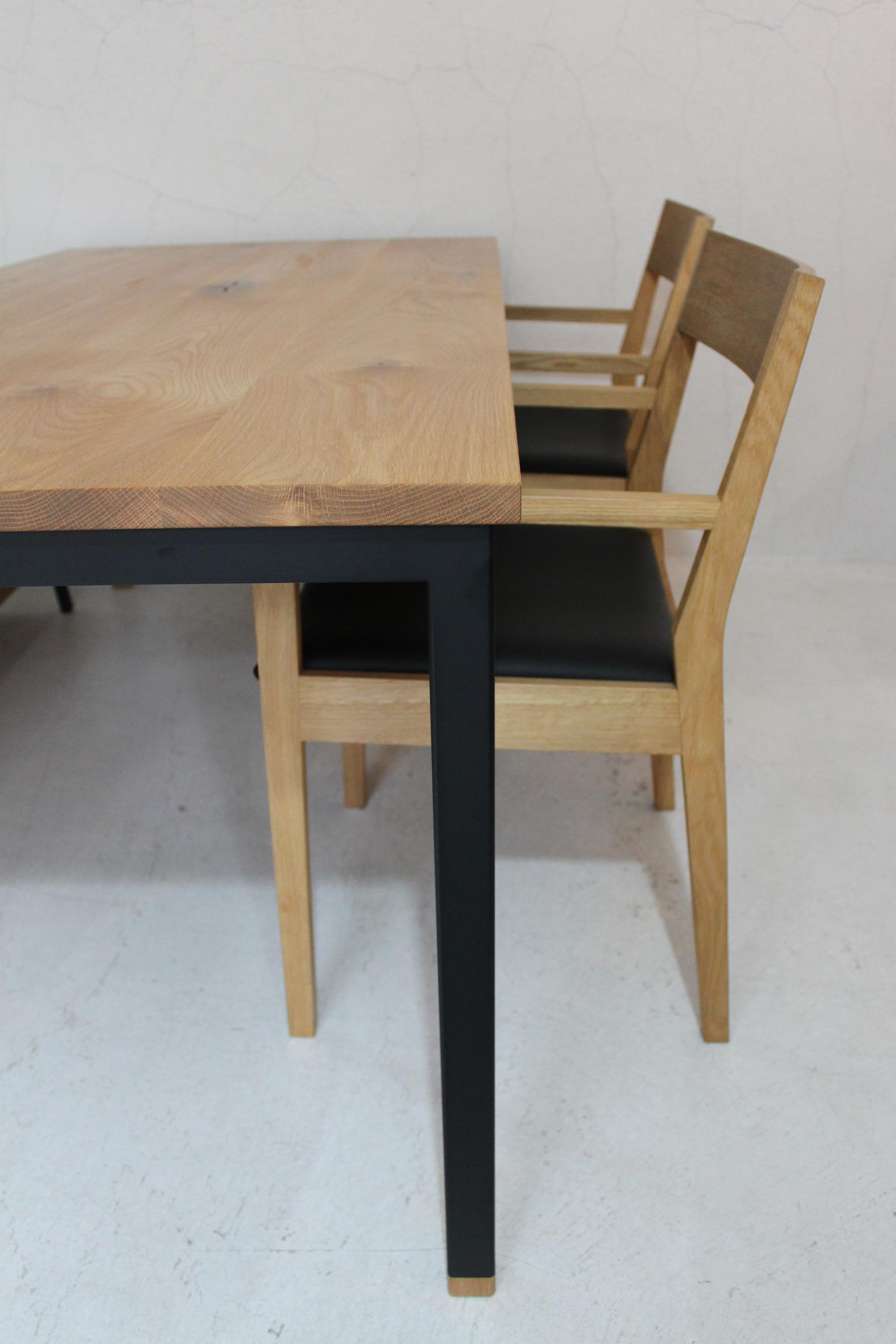 WB DINING TABLE_c0146581_1344563.jpg