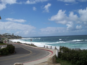 初めてのビーチで○○○@サンディエゴ_e0183383_1519785.jpg