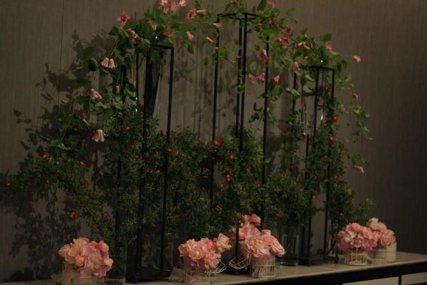 バラとマカロン レースとピンク ホテルフォーシーズンズホテル丸の内様へ_a0042928_2364417.jpg