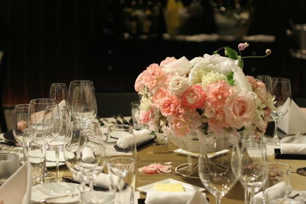 バラとマカロン レースとピンク ホテルフォーシーズンズホテル丸の内様へ_a0042928_2372057.jpg
