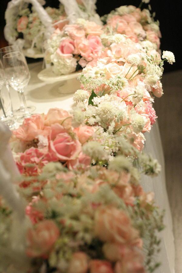 バラとマカロン レースとピンク ホテルフォーシーズンズホテル丸の内様へ_a0042928_237997.jpg