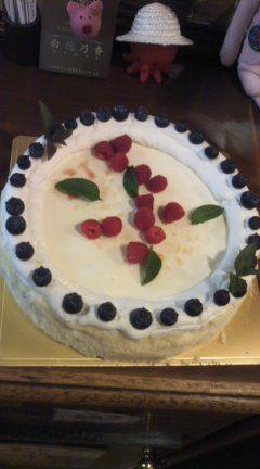 【コンの写メ日記♪】本日のスペシャルケーキはW(ダブル)ベイクドチーズケーキ! #cake_c0069047_154744.jpg