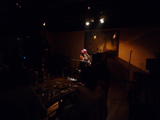 同級生のピアノライブ・雨のファッションカンタータへ_f0181251_15401428.jpg