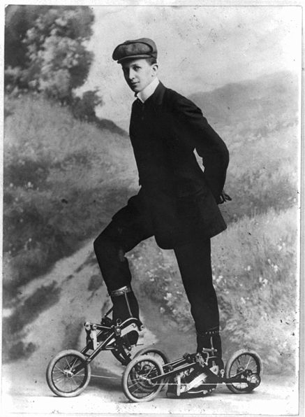 Pedal Skates from 1913 _a0118453_024401.jpg