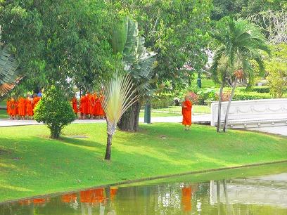 タイ出張2011年04月-週末旅行(I)-アユタヤ(1)-バンパイン宮殿と日本人街跡_c0153302_2324947.jpg