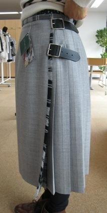 オニールオブダブリン三個ベルトのキルトスカートです。_c0227633_164657.jpg