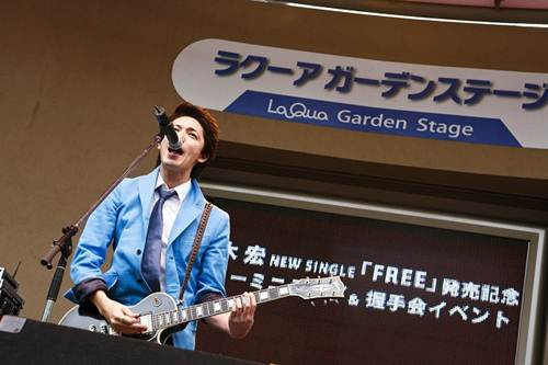 【イベントレポート】ミュージシャン玉木宏のシングル発売イベントに、ファン4,000人_e0197970_1391236.jpg