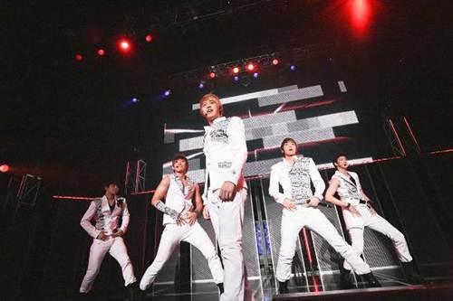 MBLAQ、日本で初めてのファンミーティングにファン熱狂!_e0197970_2412567.jpg