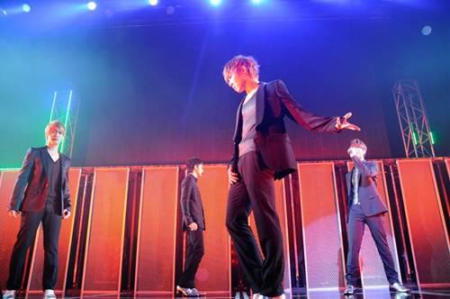 MBLAQ、日本で初めてのファンミーティングにファン熱狂!_e0197970_241322.jpg