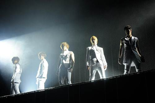 MBLAQ、日本で初めてのファンミーティングにファン熱狂!_e0197970_2414016.jpg