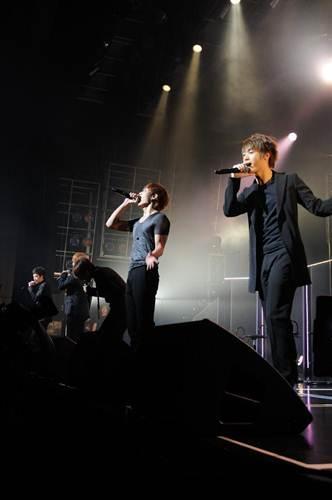 MBLAQ、日本で初めてのファンミーティングにファン熱狂!_e0197970_2415198.jpg