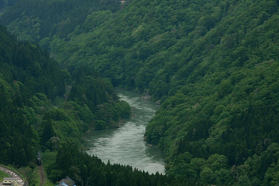 渓谷を抜けて - 2011年春・磐西 -_b0190710_2337440.jpg