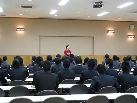 坂下高校職場見学_d0063218_1111236.jpg