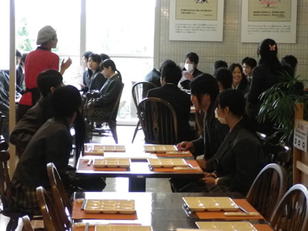 坂下高校職場見学_d0063218_111573.jpg