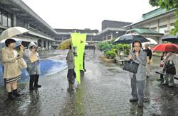 2011-05-30 京都会館保存訴え 左京、再整備計画で専門家ら催し-「京都新聞」_d0226819_10361911.jpg