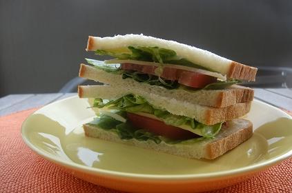 青春のサンドイッチ。_e0078359_9381854.jpg
