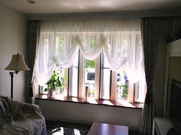 出窓によく合うバルーンスタイル『サンゲツ』_c0157866_19155862.jpg