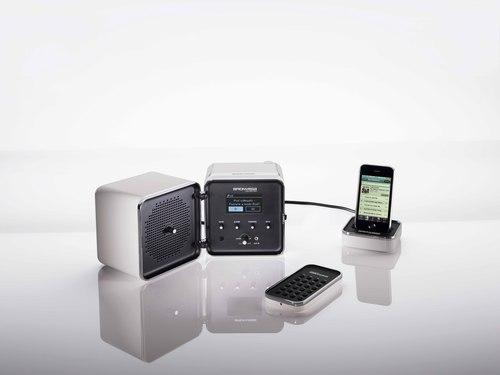 BRIONVEGA名作ラジオの復刻モデルが日本初上陸_d0221774_13405444.jpg