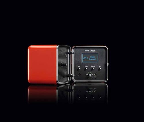 BRIONVEGA名作ラジオの復刻モデルが日本初上陸_d0221774_13414597.jpg